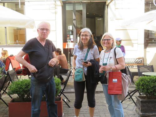 Jacques, Gabriella Nirino Larroquette (Argentine), Dorothea Van De Winkel (Belgique)